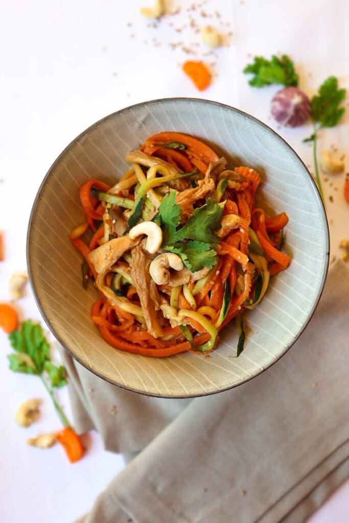 Vietnamesischer Tomaten-Tofu mit Reisnudeln